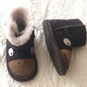 EMU BABY INFANT LITTLE CREATURES MONKEY TAIL BOOTS