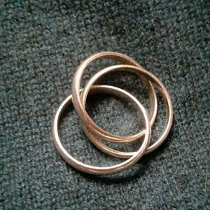Jewelry - Classic design tri-ring. Sterling. Unisex