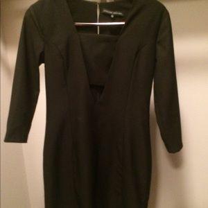Black mid/quarter sleeve shift dress with cutout