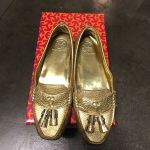 Tory Burch gold leather moccasins 7 1/2