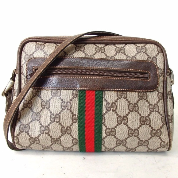 2ff5671ad Authentic GUCCI Old Gucci Crossbody Bag Vintage. M_59cbcbd6522b45374810702e