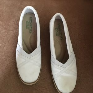 Grasshoppers women shoes size 6.5 white