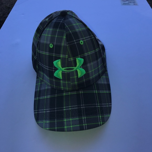 UNDER ARMOUR HAT 😎. M 59cbea106a5830a5bb111f56 f25908cfc10