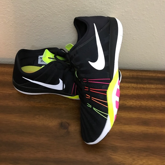 4d8b37d620190 Womens Nike Free TR 6 OC