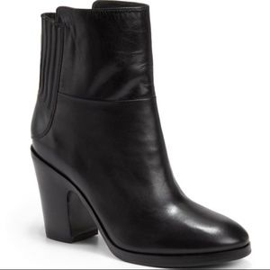 Sigerson Morrison Cindy black lambksin Boots 7