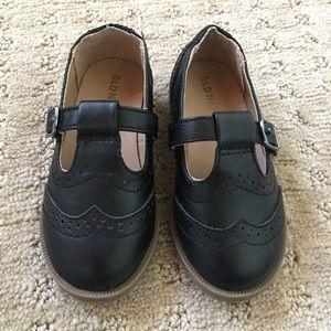 Old Navy Black Toddler Oxfords - 6