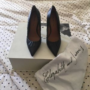 Elizabeth and James Jolie button heels nib sz5