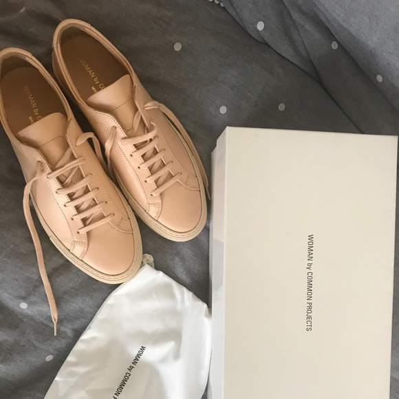 b525e4bf6a1f BRAND NEW Women Common Projects Achilles natural