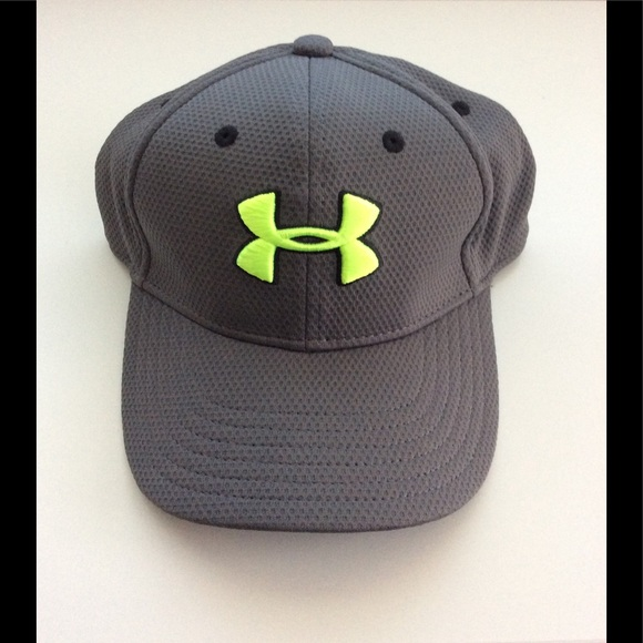 ab290496a71 Under Armour Fitted Cap with UA Logo