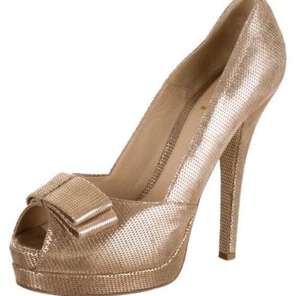 65068312 FENDI GOLD peep toe bow heel pumps size 38