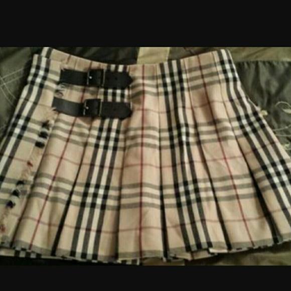 ced9568ad3 Burberry Dresses & Skirts - Burberry Nova check pleated skirt.