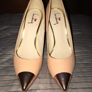Luichiny Coral with Rose Gold Detail Pointy Pumps