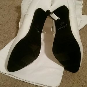forever Shoes - *PRICE DROP* NWOB White Thigh High Boots