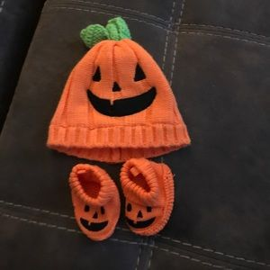 Baby Halloween / Pumpkin hat and booties