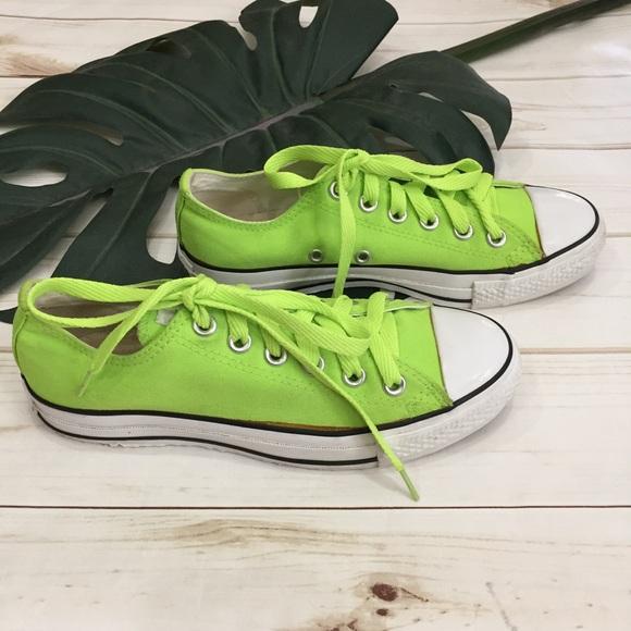 8be8e91009ec3a Converse Shoes - 🌿Converse lime green Chuck Taylors!