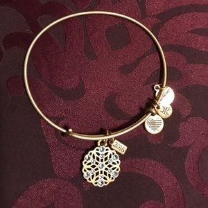 NWOT Alex and Ani Limited Edition 2016 Snowflake