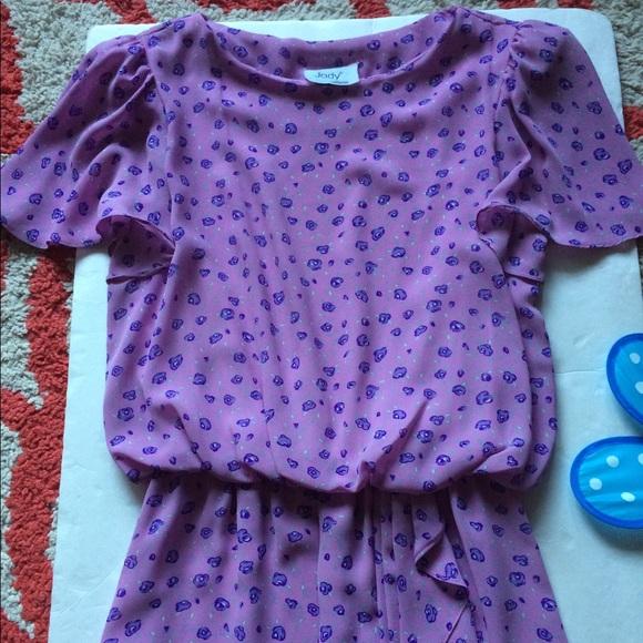 991b9a89d18e09 Jody Dresses & Skirts - Beautiful Floral Lavender Dress 👗