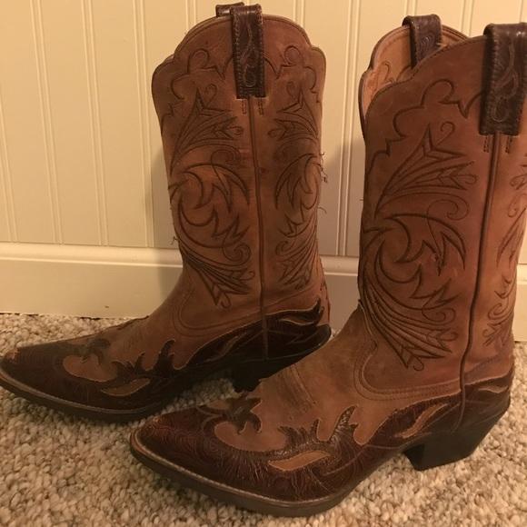 93b0acd0f26 ‼️FINAL PRICE DROP ⬇️Ariat women's cowboy boots 