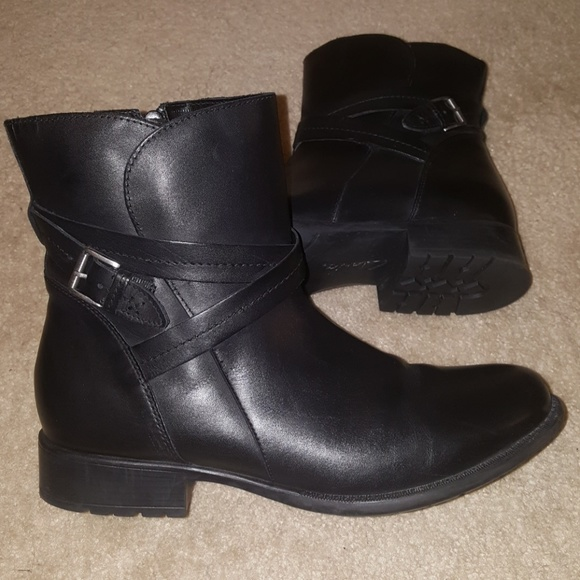 7c8ee406ce51 Clarks Shoes - Black Friday Sale! Clarks Plaza Square Boots