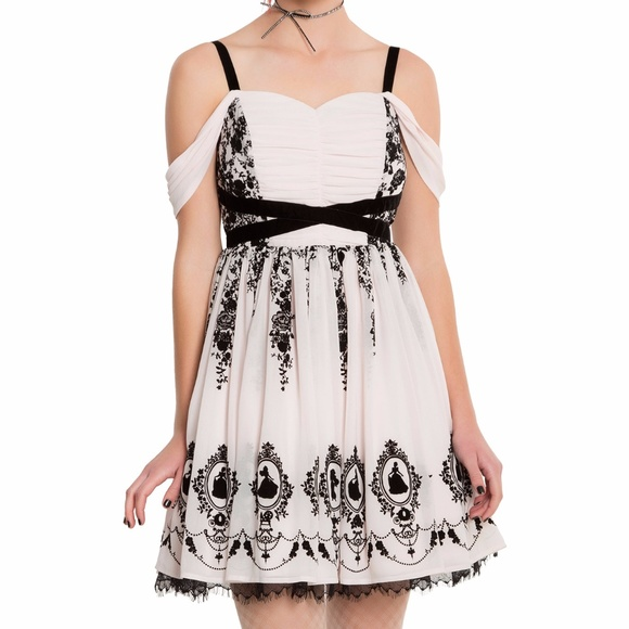 Hot Topic Dresses for Prom