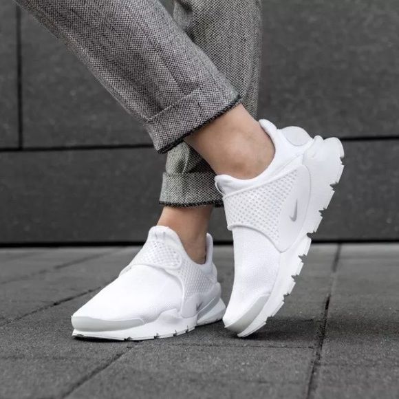 best website 78b68 7ed91 Women s Nike Sock Dart Breathe Running Sneakers