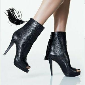 SALE! NEW Vera Wang Sabina Black Leather Booties