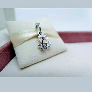 Jewelry - Pandora Poetic Bloom Flowers Charm