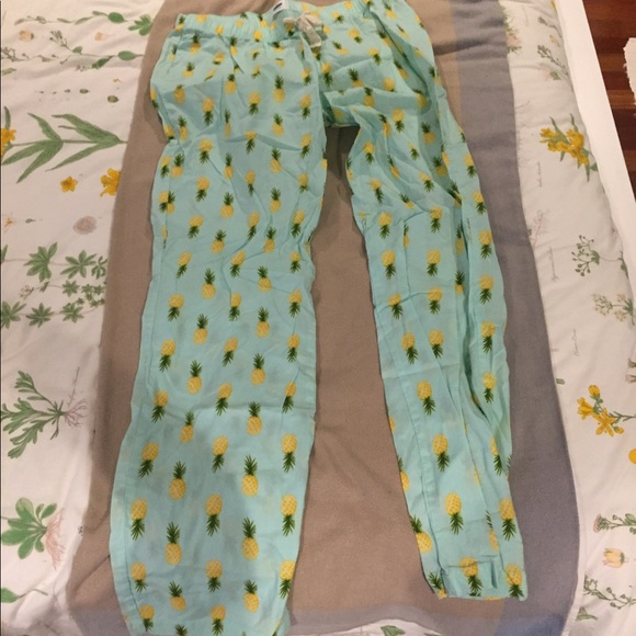 Pineapple Pajama Pants. M 59cce3b7620ff7c08f01ec4f 492ccd337