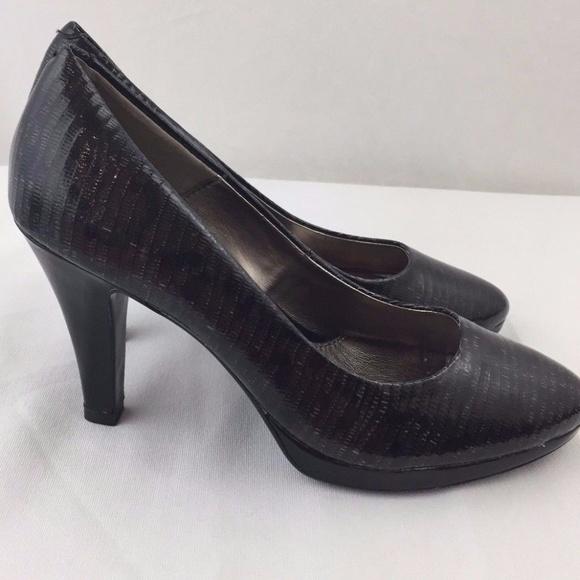 ff226dbd612 SOFFT Pumps Heels Patent Leather Black Shoes Round.  M 59ccf15fc284565e77020c29