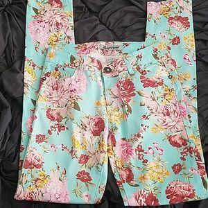NWOT Cute floral jeans