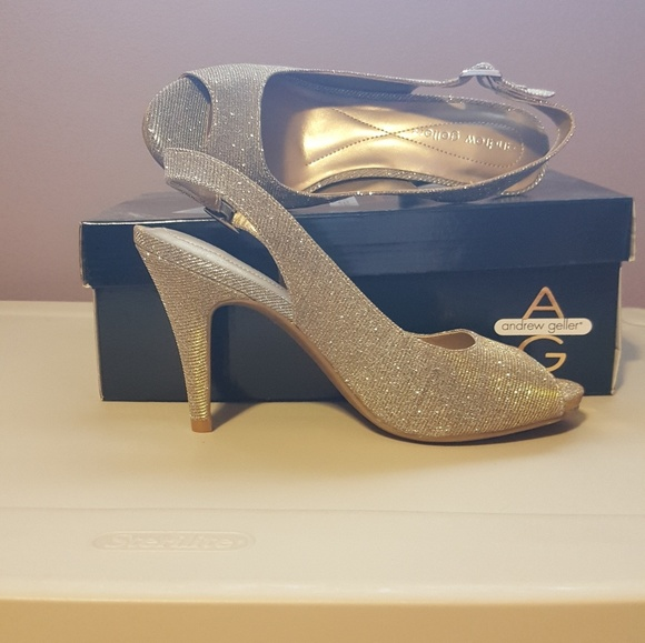 dbe507016d685 Andrew Geller Trisha peep-toe heels - size 7 1 2