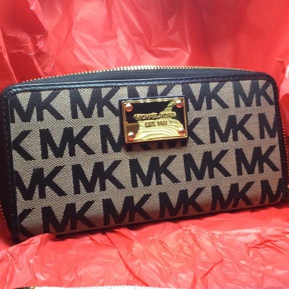43da6b95343dd5 Michael Kors wallet signature black gray MK. M_59cd09abc6c795d95a023c59
