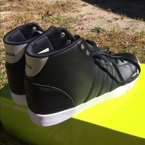 Adidas zapatos cloudfoam Daily Qt Mid poshmark Hightop zapatilla NWT