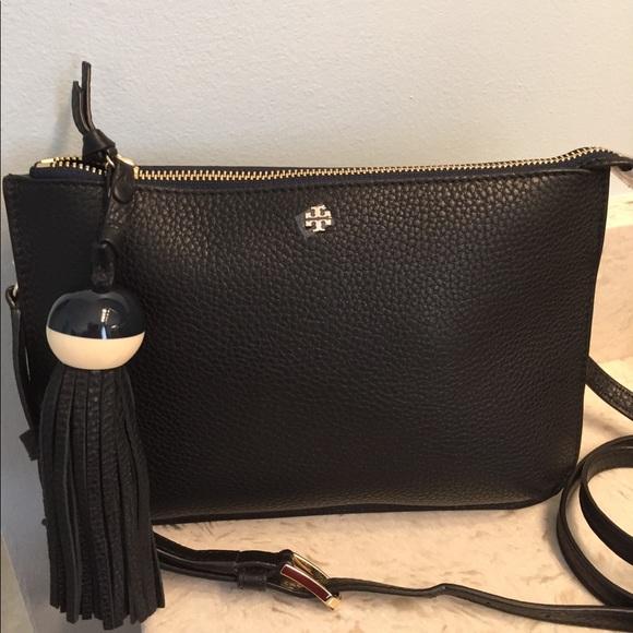 69d8a752e459 🆕Tory Burch Tassel Crossbody bag