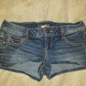 Decree women's Stretch Shorts. Size 5. Used