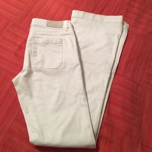 Perfect white fall jeans!