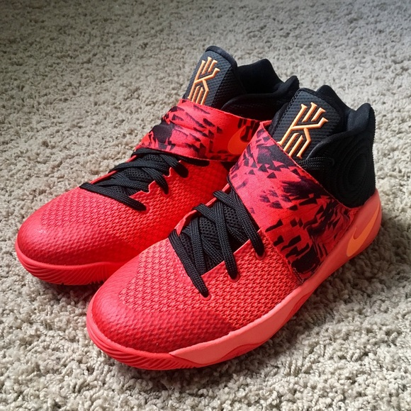 finest selection 20c17 a20d8 Boys 6.5Y Nike Kyrie Irving 2