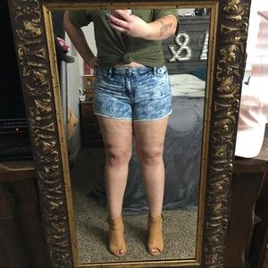 High waisted shorts (plus size)