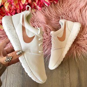Nike Shoes - NWT Nike ID Roshe One rose gold swoosh white