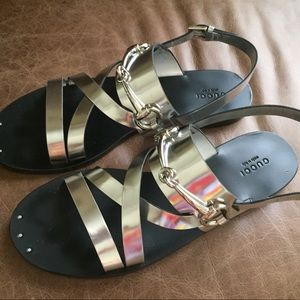 e340a76a79f Gucci Shoes - Argento Gucci silver sandals with buckle and Logo