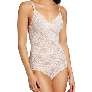 Bali Women's Firm Control Lace 'N Smooth Body Brie