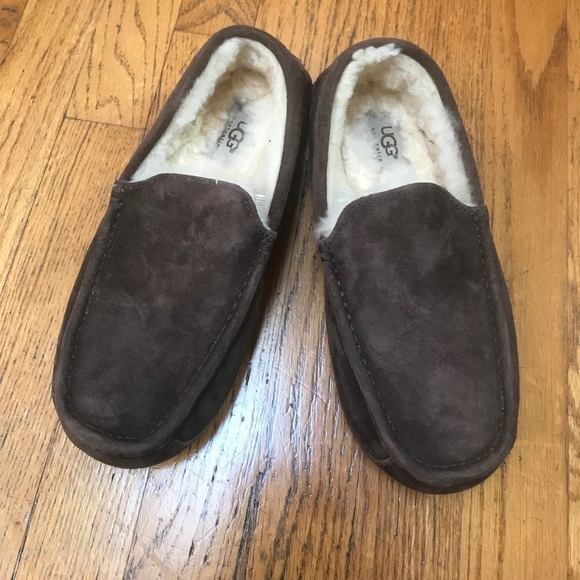 807c913f58e Men's UGG Ascot slippers. Size 7