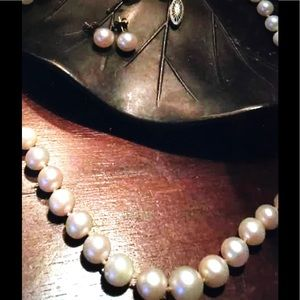 Jewelry - Vintage Cultured Pearls Graduated Size  14K Gold