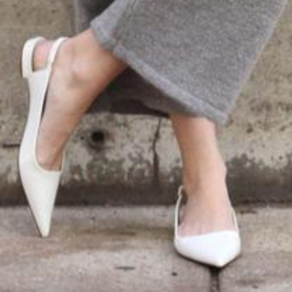 d4f126f7326 ZARA WHITE FLAT POINTED SLINGBACK SHOES. M 59cd90038f0fc4666a0134a0