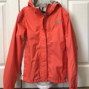 North Face 🍑 Hooded Rain Jacket