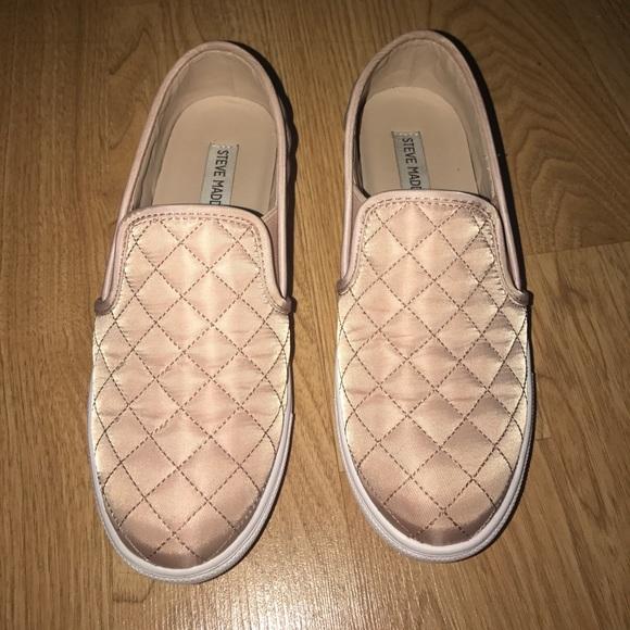 a4ad355ad95 Steve Madden Shoes - Steve madden slip ons- light pink