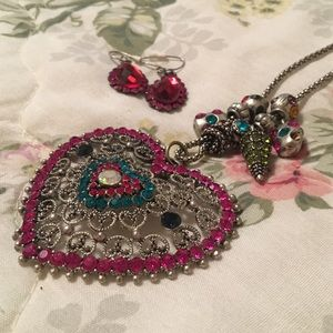 Necklace & Earring Set!