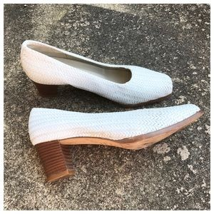 Vintage white woven leather shoes, Italy, 36