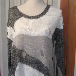 One Teaspoon Gray/Ivory Distressed Sweater Size 4