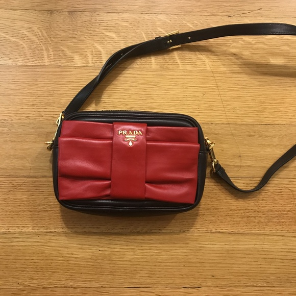 Brand New Original Prada mini shoulder bag cee71423b57ab